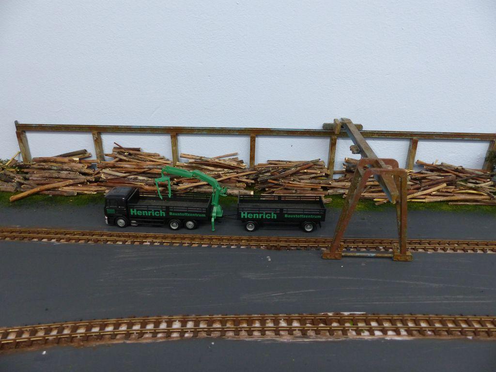 Holzverladung im Bau