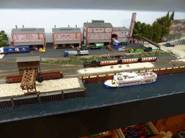 Ansicht Industrie (Mosterei) und Binnenhafen mit Personenschiff