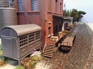 Kleine Fabrik für Kisten und Paletten