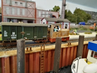 Kleine Diesellok für Rangierarbeiten